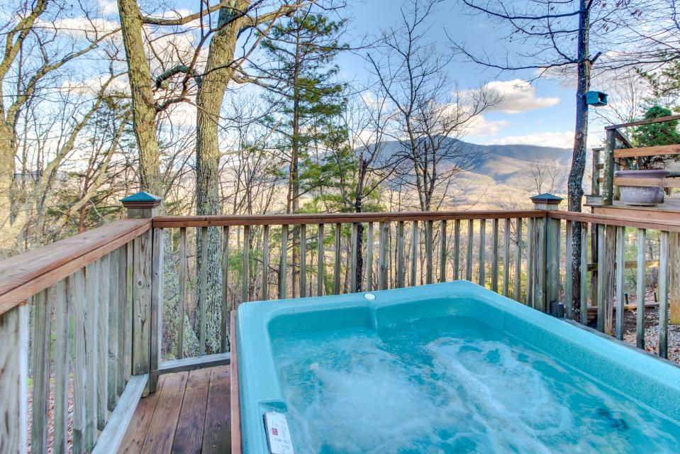 Mockingbird's View  - Sevierville Vacation Rental - Photo 33