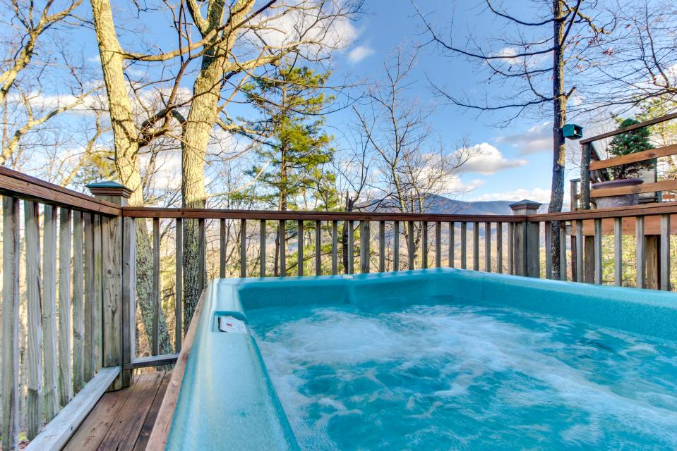 Mockingbird's View  - Sevierville Vacation Rental - Photo 31