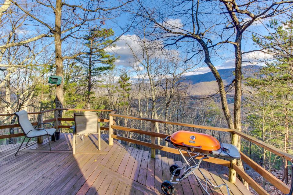 Mockingbird's View  - Sevierville Vacation Rental - Photo 4