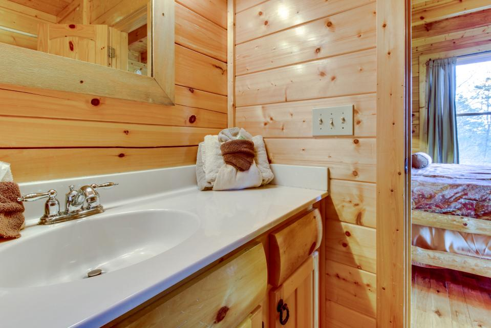 Dry Run Cabin - Sevierville Vacation Rental - Photo 20