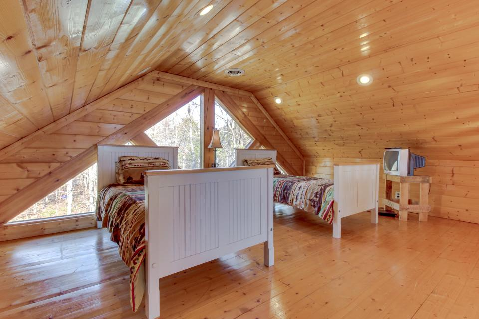 Dry Run Cabin - Sevierville Vacation Rental - Photo 32