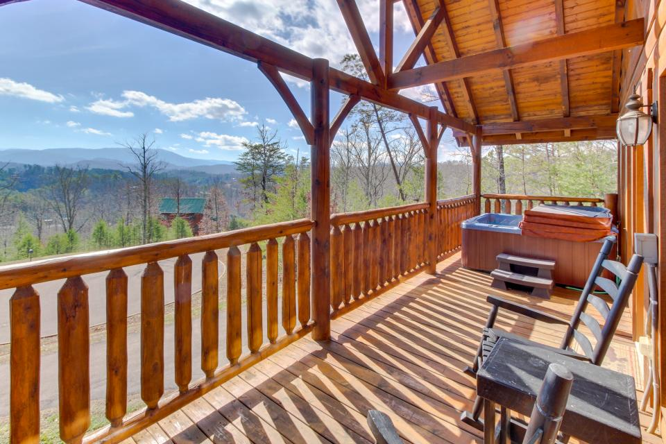 Dry Run Cabin - Sevierville Vacation Rental - Photo 36