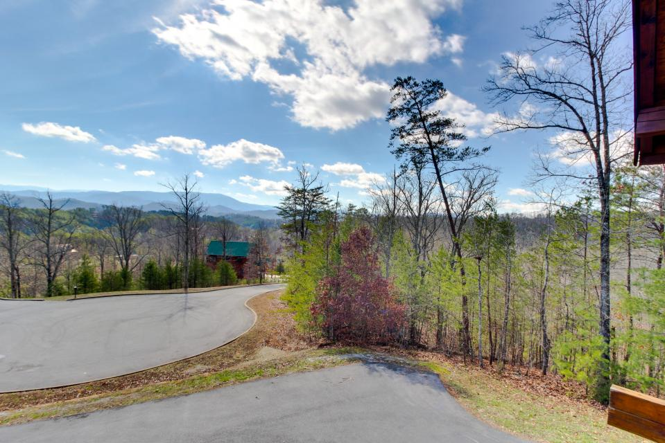 Dry Run Cabin - Sevierville Vacation Rental - Photo 41