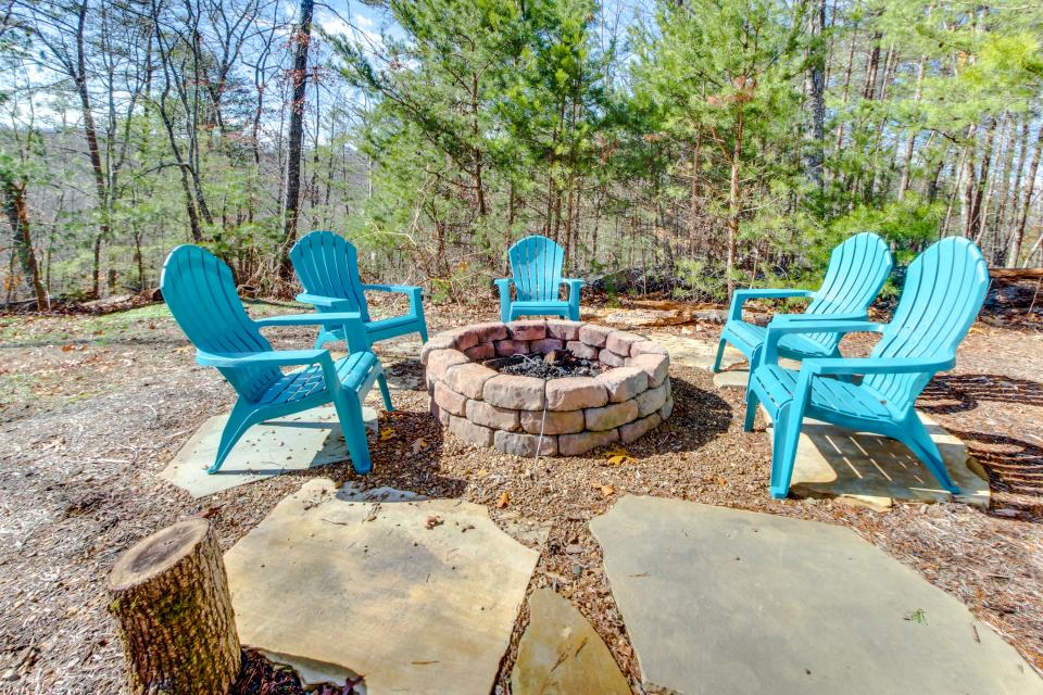 Dry Run Cabin - Sevierville Vacation Rental - Photo 3