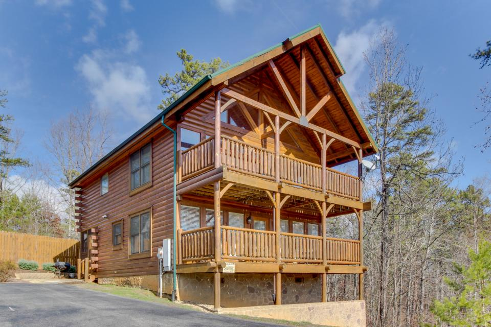 Dry Run Cabin - Sevierville Vacation Rental - Photo 1