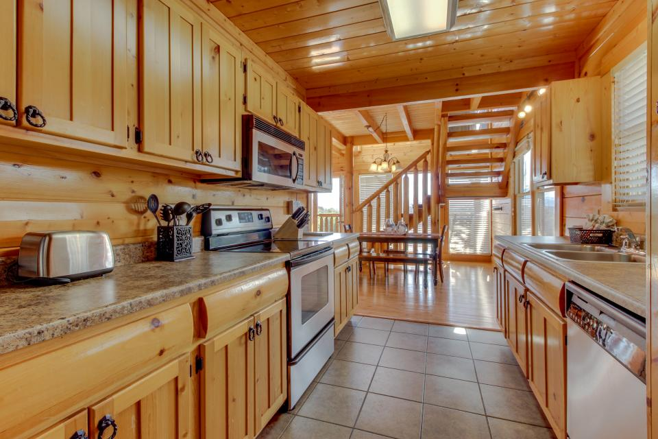 Dry Run Cabin - Sevierville Vacation Rental - Photo 12