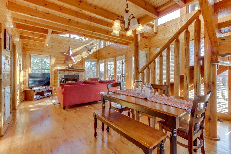 Dry Run Cabin - Sevierville Vacation Rental - Photo 11