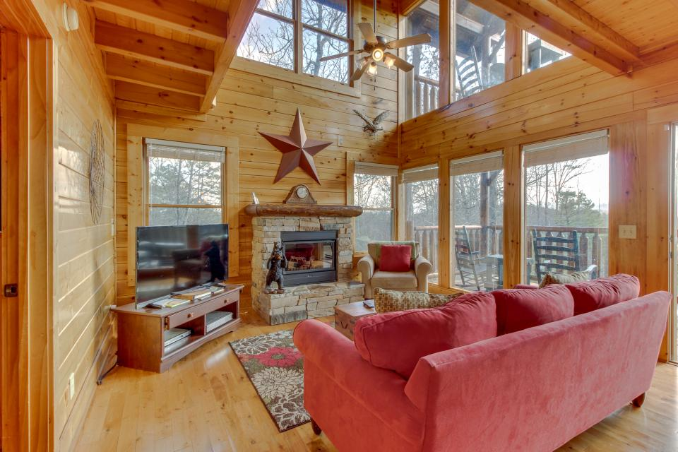 Dry Run Cabin - Sevierville Vacation Rental - Photo 2