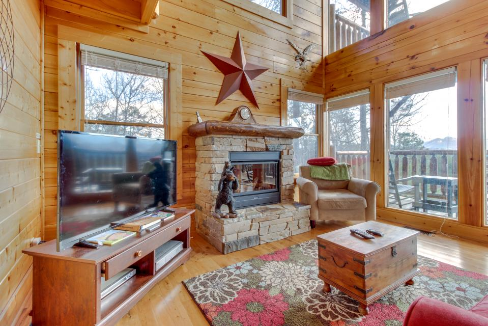 Dry Run Cabin - Sevierville Vacation Rental - Photo 7