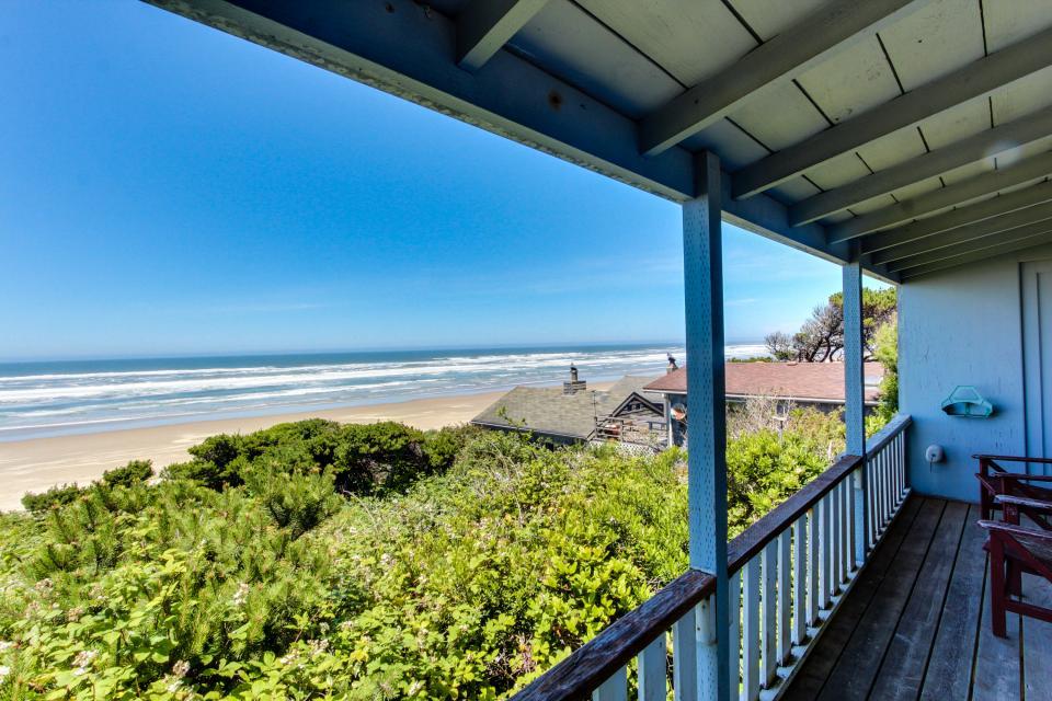 Cape Cod Cottages - Unit 6 - Waldport Vacation Rental