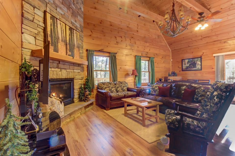 Two Bears  - Sevierville Vacation Rental - Photo 32