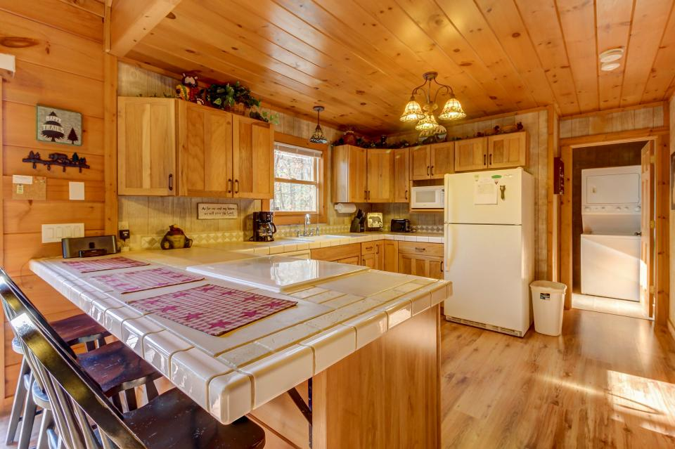 Two Bears  - Sevierville Vacation Rental - Photo 10