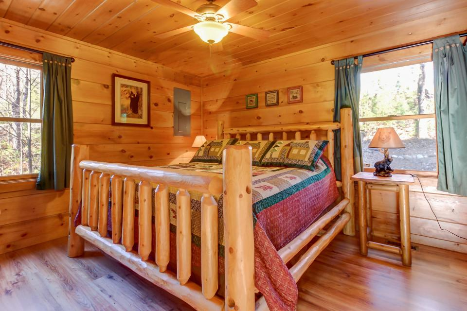 Two Bears  - Sevierville Vacation Rental - Photo 13