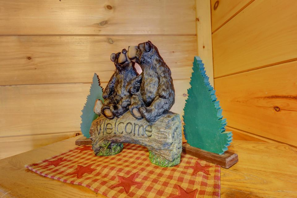 Two Bears  - Sevierville Vacation Rental - Photo 33