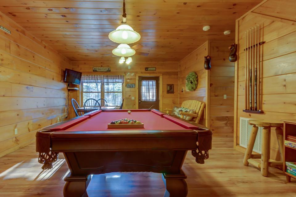 Two Bears  - Sevierville Vacation Rental - Photo 18