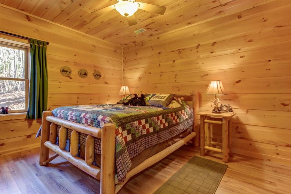 Two Bears  - Sevierville Vacation Rental - Photo 19