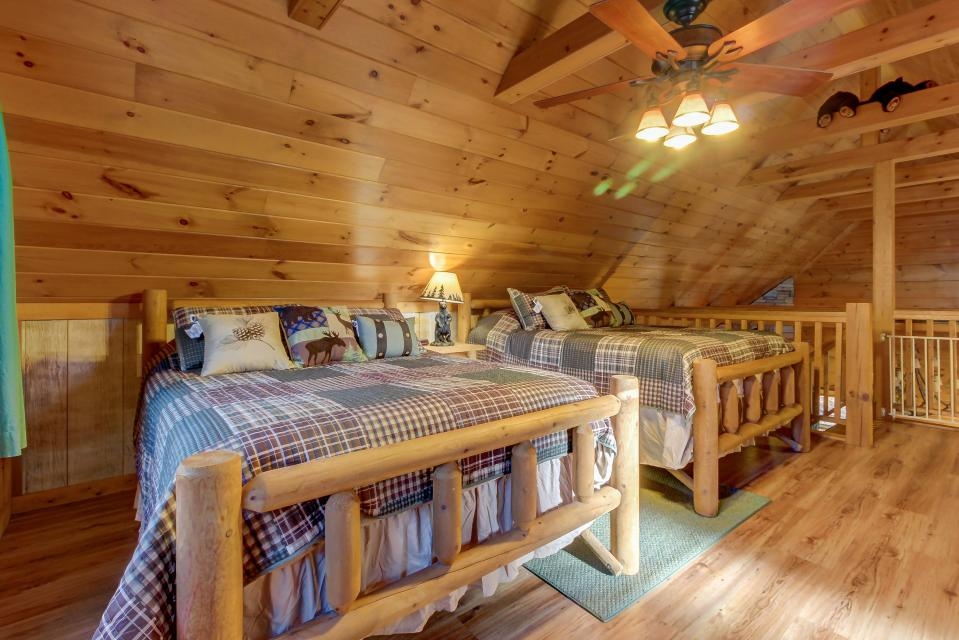 Two Bears  - Sevierville Vacation Rental - Photo 26