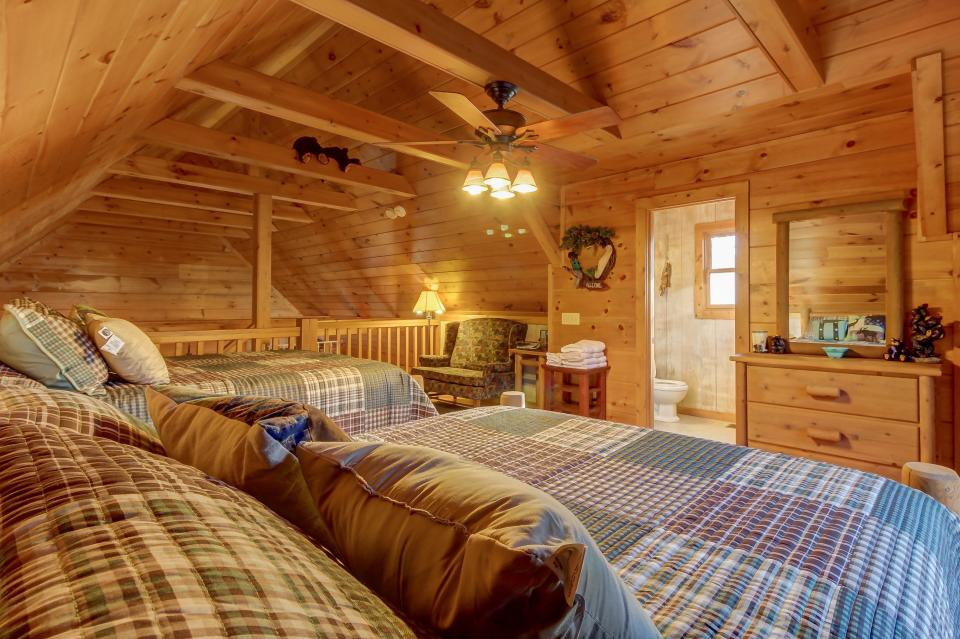 Two Bears  - Sevierville Vacation Rental - Photo 27