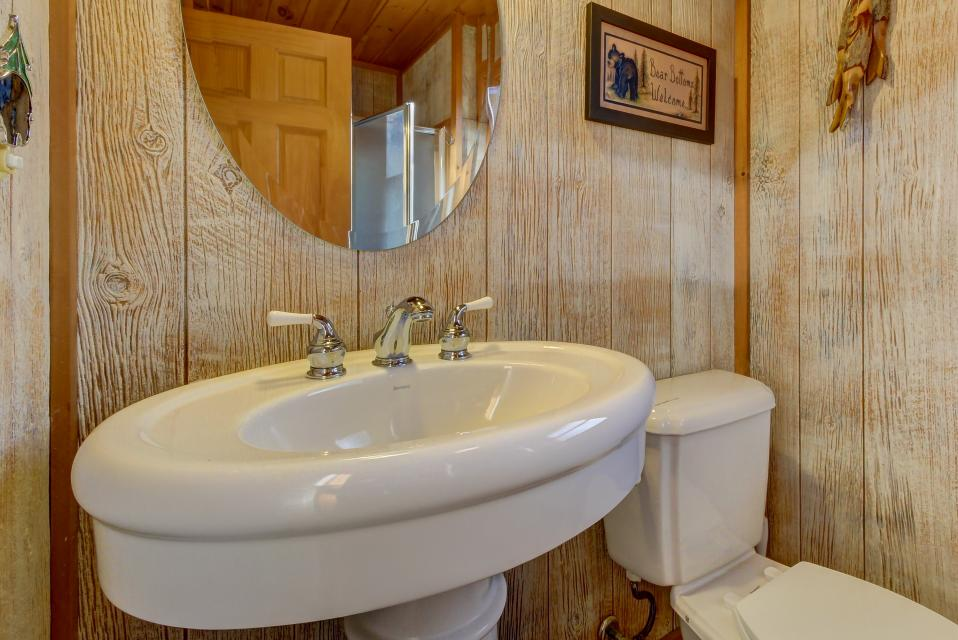 Two Bears  - Sevierville Vacation Rental - Photo 28