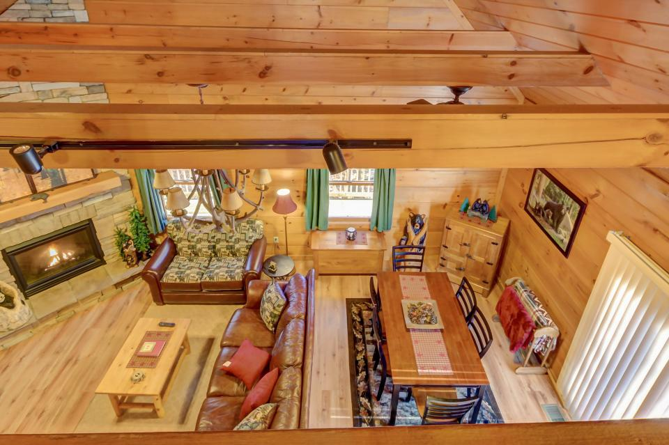 Two Bears  - Sevierville Vacation Rental - Photo 8