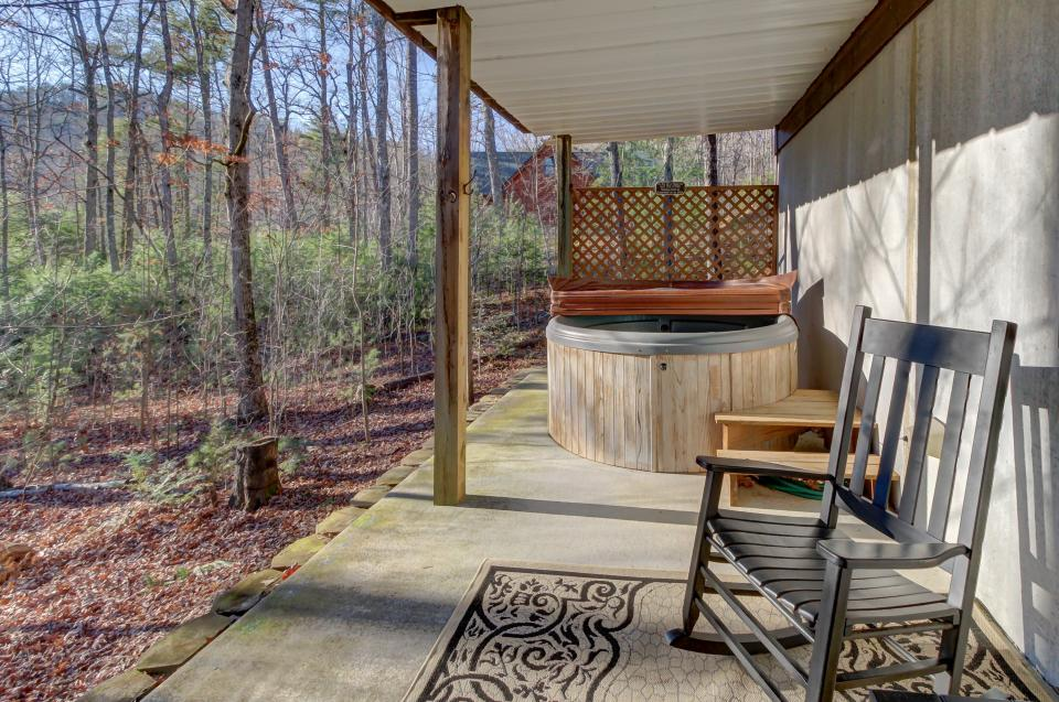 Two Bears  - Sevierville Vacation Rental - Photo 37