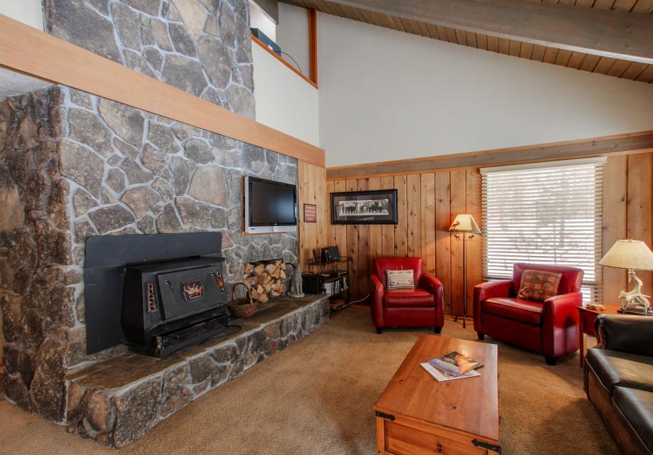 1 Crag - Sunriver Vacation Rental - Photo 4