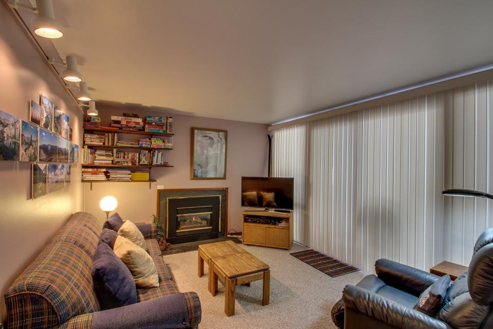 31 Mtn. View Condo - Sunriver - Take a Virtual Tour