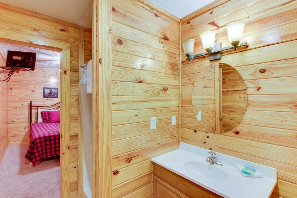 Fit For Kings - Sevierville Vacation Rental - Photo 34