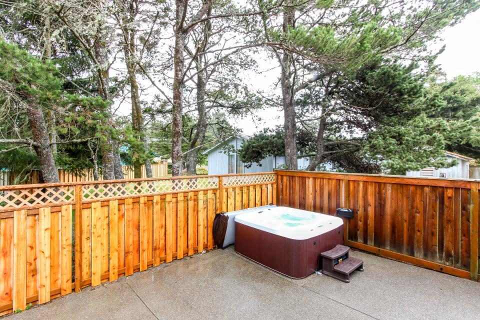 Edgewood Retreat - Seaside Vacation Rental - Photo 2
