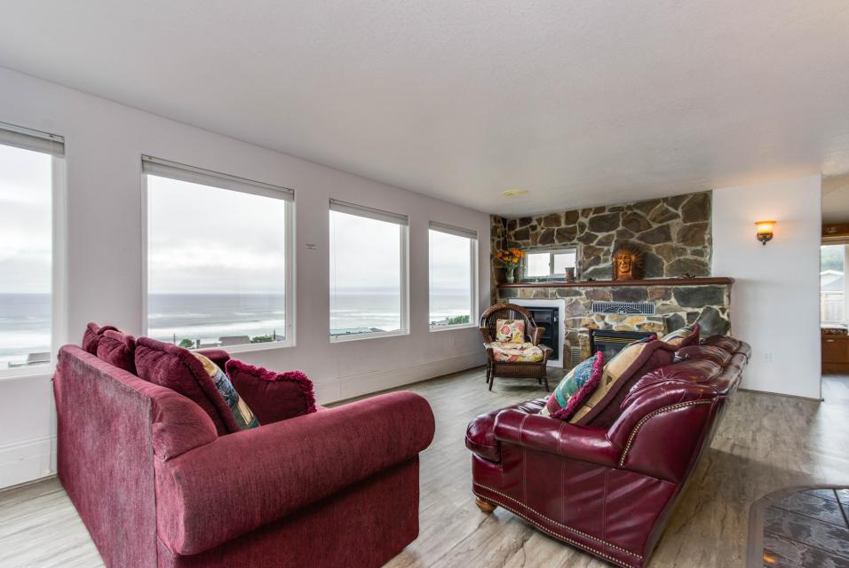 Neptune's Lookout - Lincoln City Vacation Rental - Photo 7