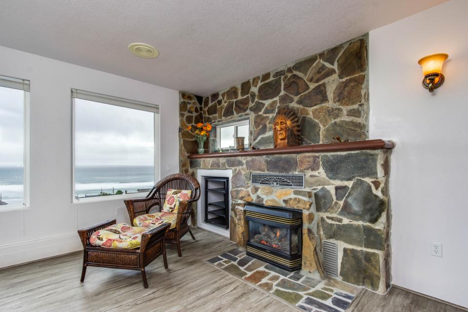 Neptune's Lookout - Lincoln City Vacation Rental - Photo 9