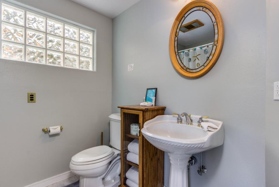 Neptune's Lookout - Lincoln City Vacation Rental - Photo 24
