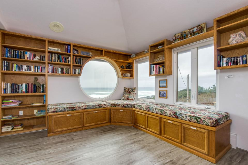 Neptune's Lookout - Lincoln City Vacation Rental - Photo 33