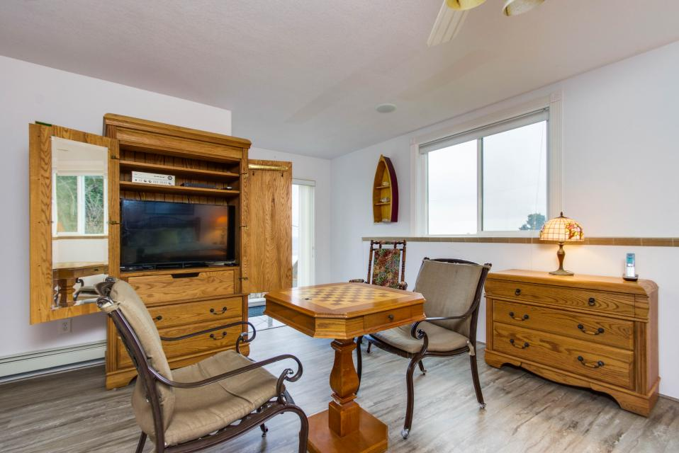 Neptune's Lookout - Lincoln City Vacation Rental - Photo 23