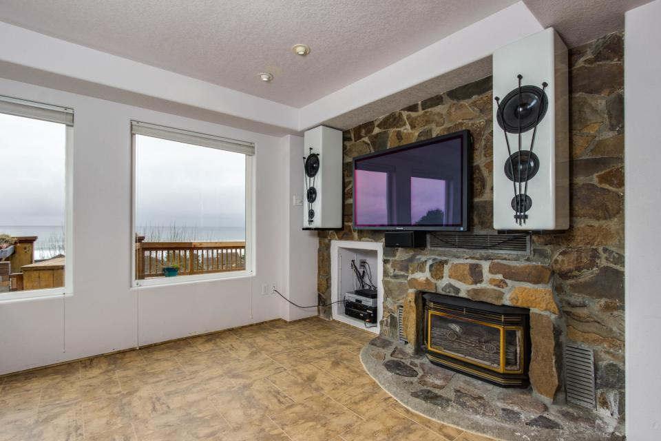 Neptune's Lookout - Lincoln City Vacation Rental - Photo 25