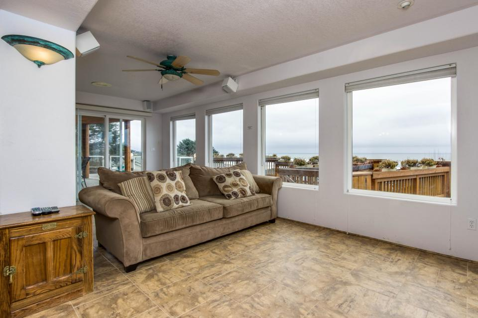 Neptune's Lookout - Lincoln City Vacation Rental - Photo 26