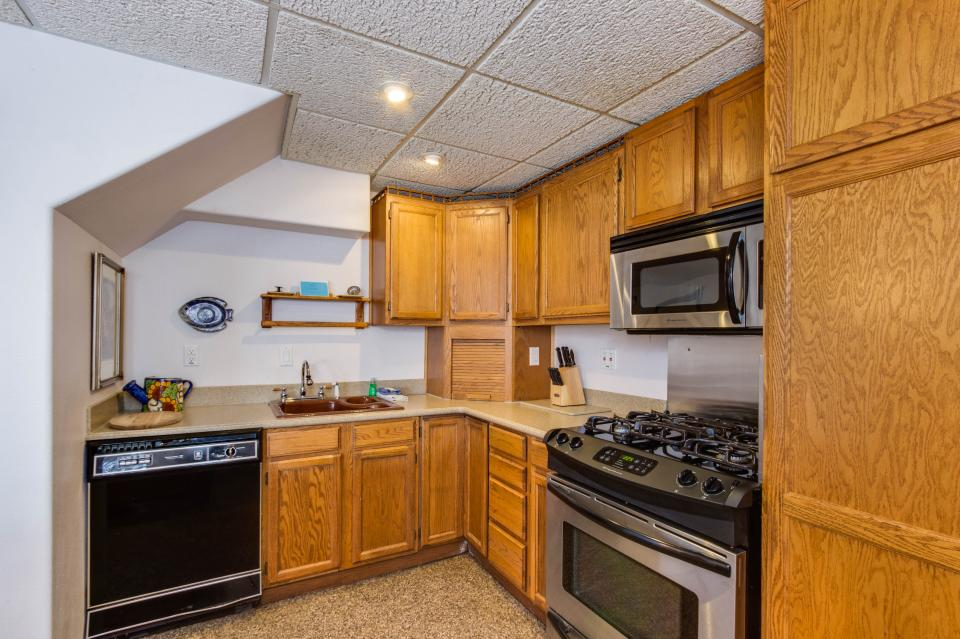 Neptune's Lookout - Lincoln City Vacation Rental - Photo 30