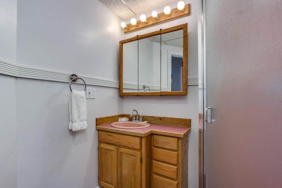 Neptune's Lookout - Lincoln City Vacation Rental - Photo 31