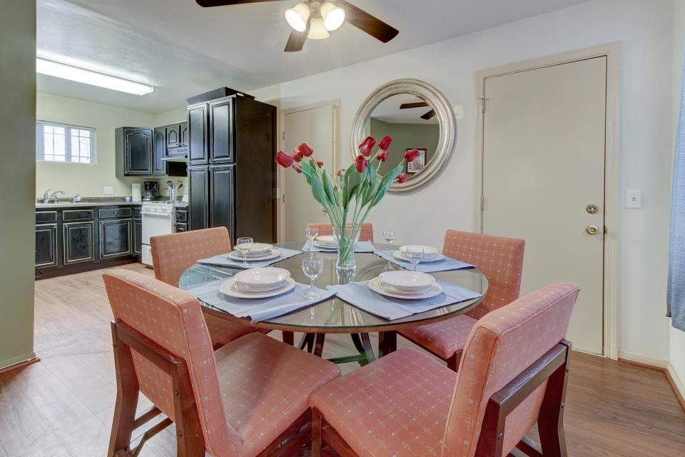 Surf and Turf Hideout - San Diego Vacation Rental - Photo 10