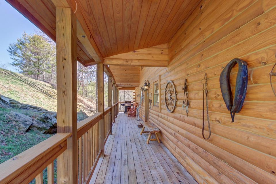 Giddy Up  - Sevierville Vacation Rental - Photo 33