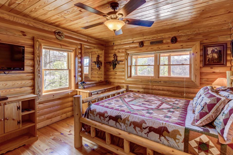 Giddy Up  - Sevierville Vacation Rental - Photo 15