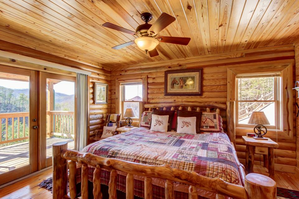 Giddy Up  - Sevierville Vacation Rental - Photo 16