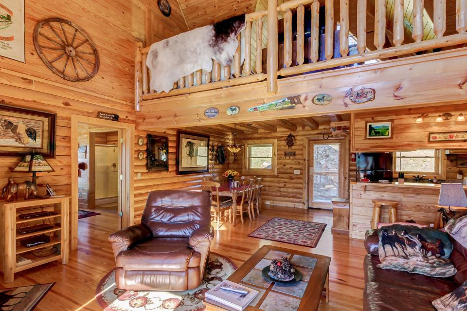 Giddy Up  - Sevierville Vacation Rental - Photo 10