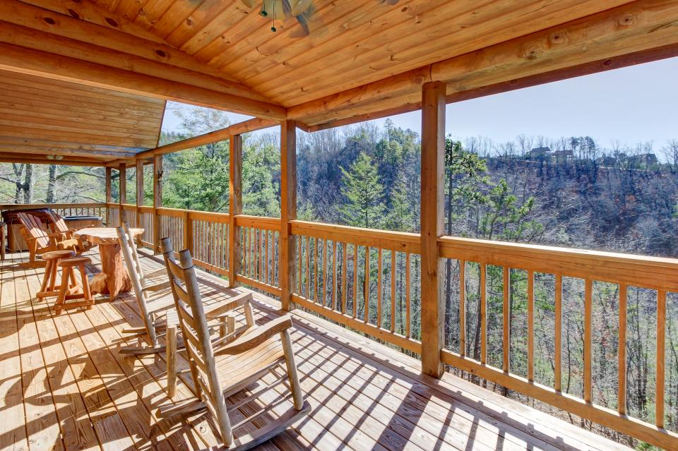 Giddy Up  - Sevierville Vacation Rental - Photo 37