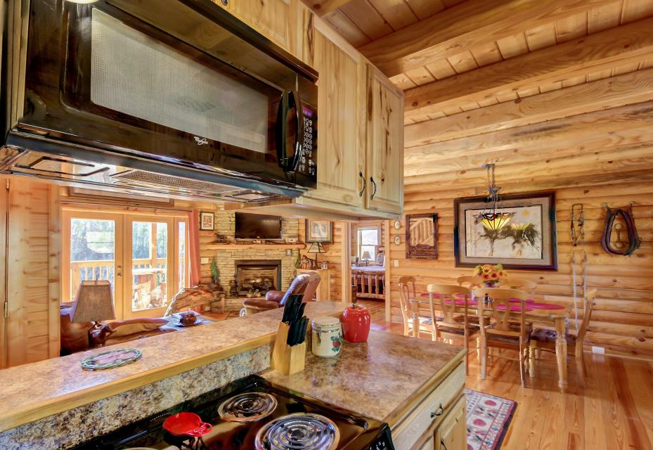 Giddy Up  - Sevierville Vacation Rental - Photo 11