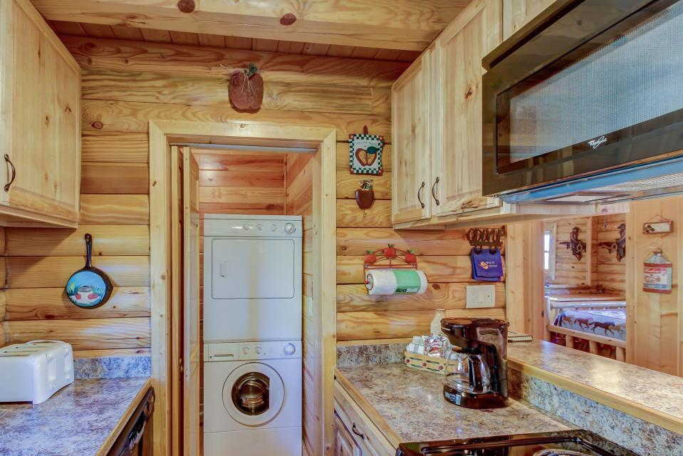 Giddy Up  - Sevierville Vacation Rental - Photo 22