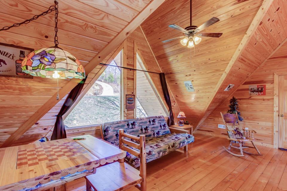 Giddy Up  - Sevierville Vacation Rental - Photo 25