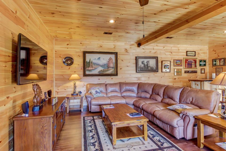 Giddy Up  - Sevierville Vacation Rental - Photo 6