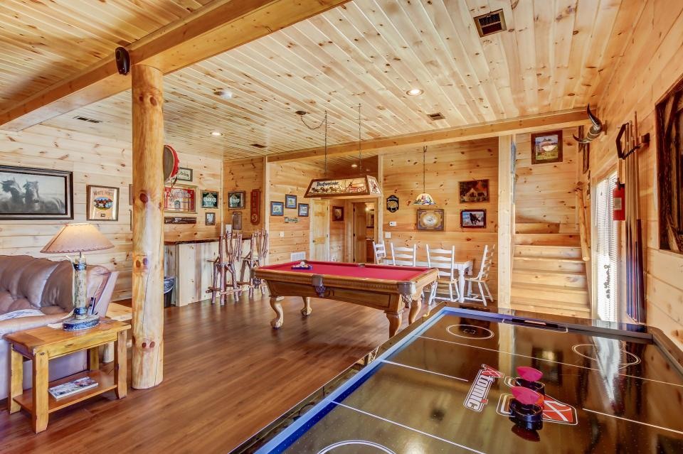 Giddy Up  - Sevierville Vacation Rental - Photo 28