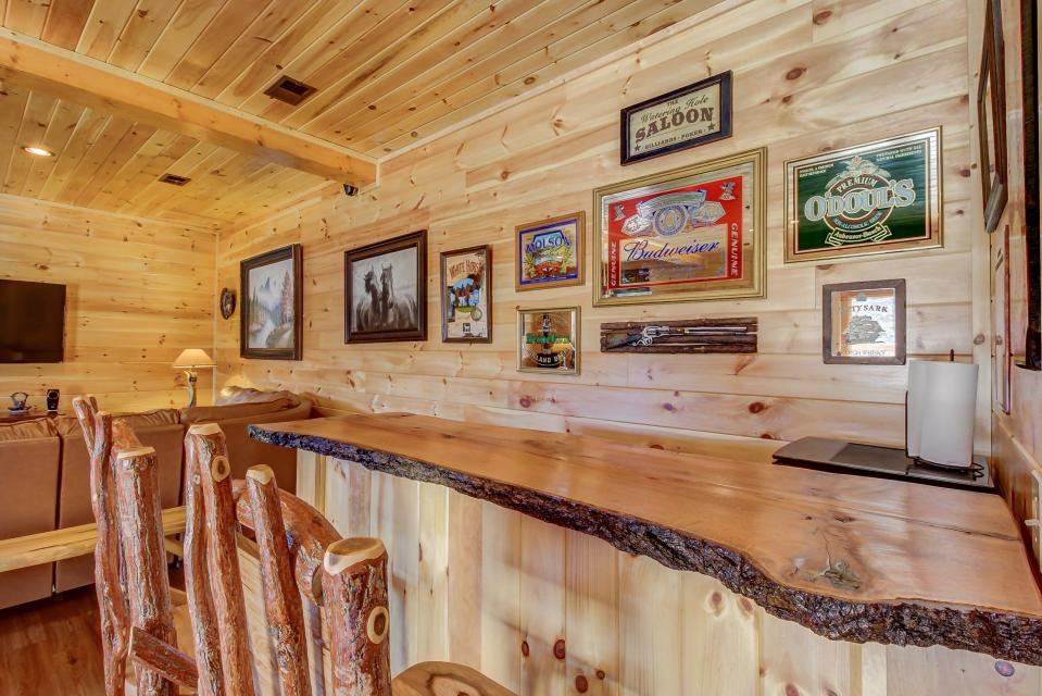 Giddy Up  - Sevierville Vacation Rental - Photo 3